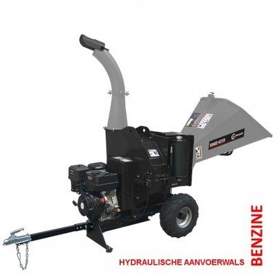 Lumag hakselaar type HC15H-met electrische gestarte Benzine motor en Hydraulische aanvoer.