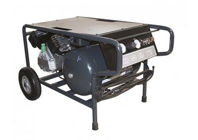 Compacte bouwcompressor, laag zwaartepunt, traagdraaiend, oliegesmeerd met 2 cilinders in V-formatie.